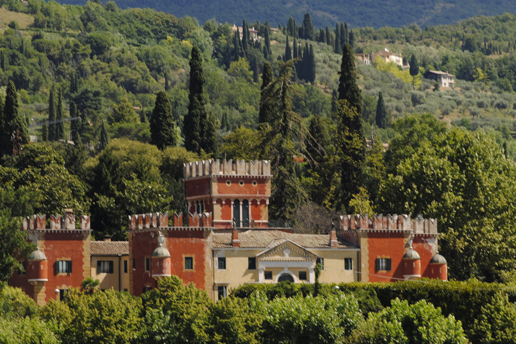 Villa Albertini on LakeApp