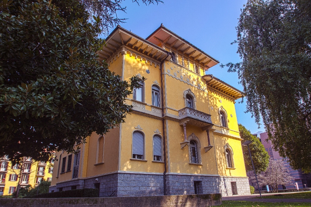 Villa Saroli on LakeApp