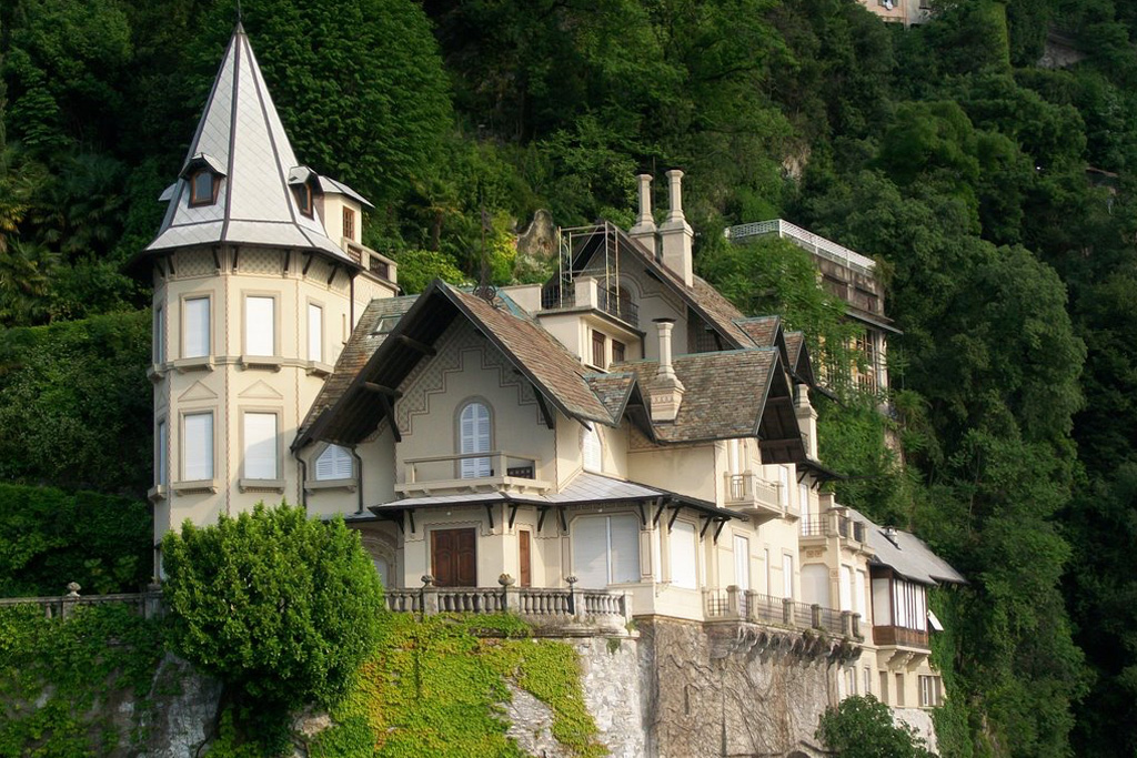 Villa Troubetzkoy on LakeApp