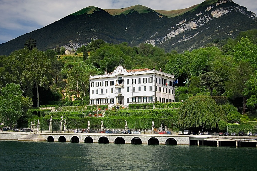 Villa Carlotta on LakeApp