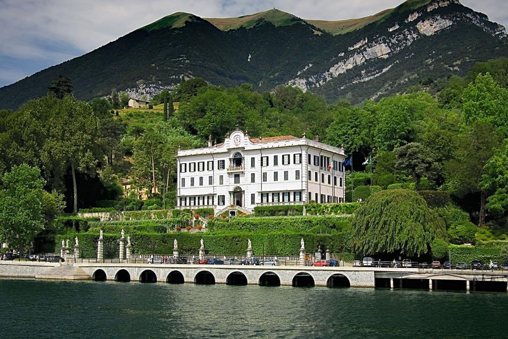 Villa Carlotta on LakeApp